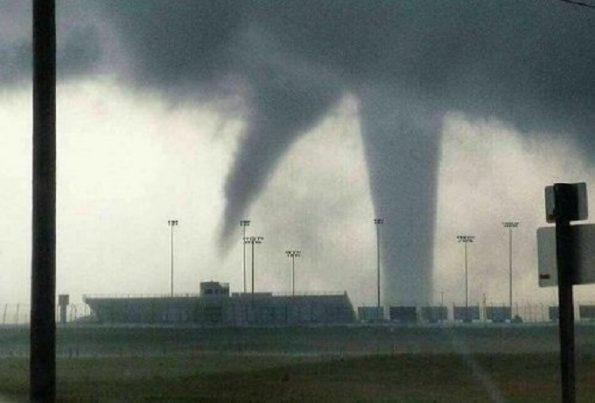 Fotos tornado ocasiona da os a puente fronterizo en nuevo - El clima en laredo texas ...