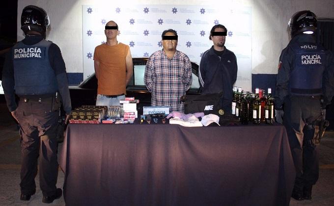 Tras persecución, policías municipales detuvieron a banda de presuntos ladrones de negocios