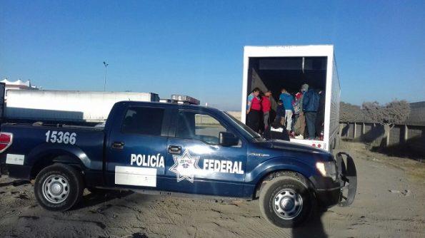 policía federal rescate indocumentados (1)