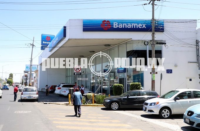 VIDEO: En asalto a Banamex de El Mirador se llevan 12 mil pesos en efectivo