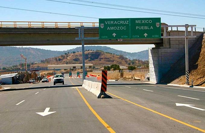 Encapuchados lanzan piedras a diez automovilístas para asaltarlos en Puebla – Córdoba